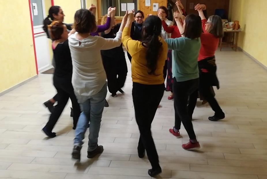 Quando le donne danzano in cerchio